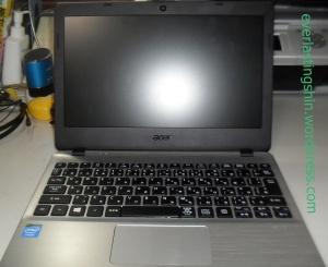 Foto laptop saat dibuka