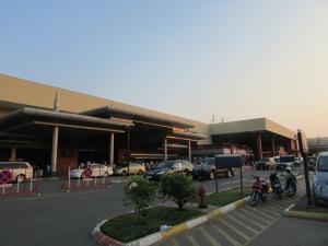 Bandara Phnom Penh sangatlah simple dan tidak serba megah seperti bandara negara lain.