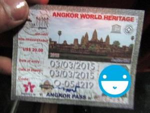 Ticket masuk Angkor Watt. Foto kurang bagus karena kurang pencahayaan.